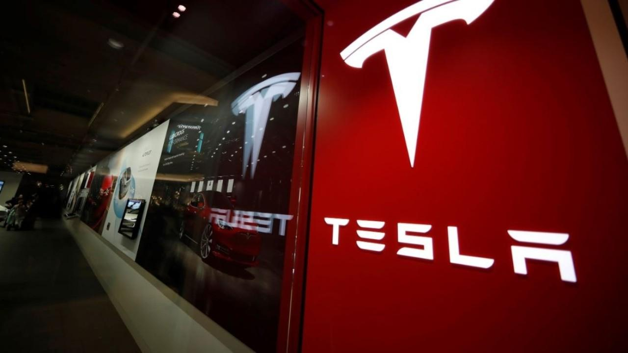 GLJ Research's Gordon Johnson argues Tesla is a bubble and its stock price will fall despite topping $600 per share.