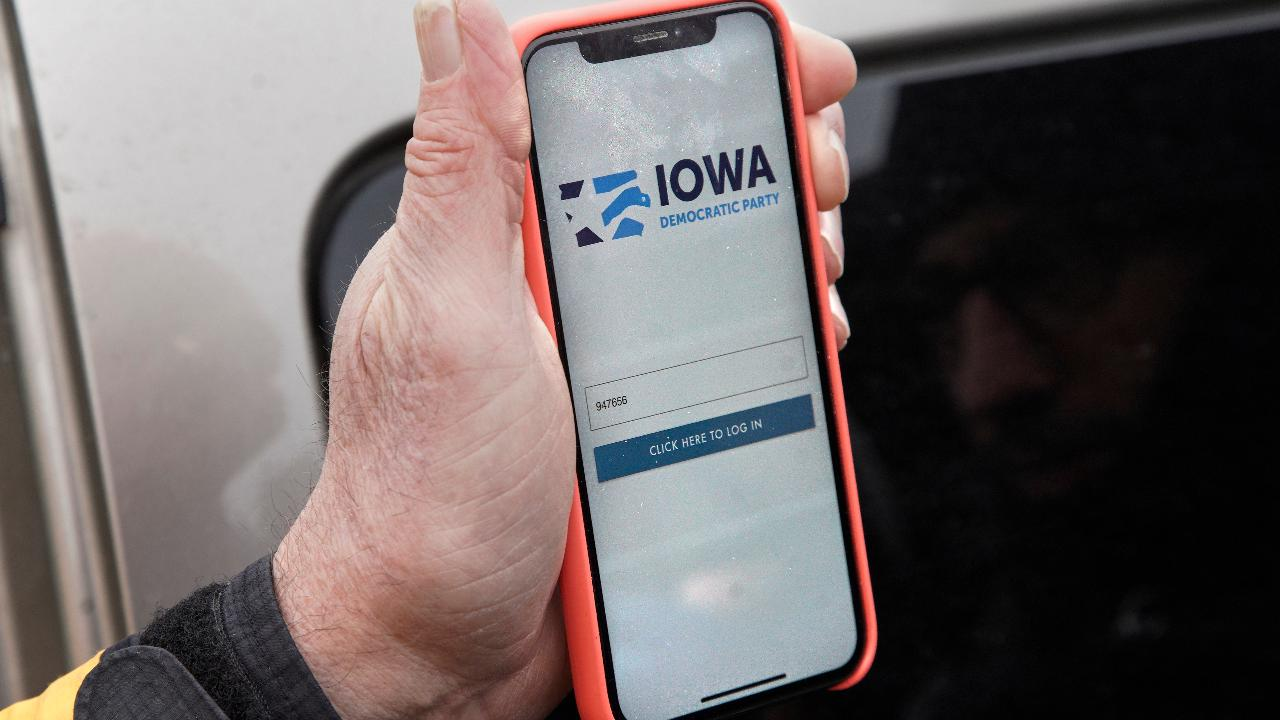 Fox News contributor Deroy Murdoch discusses Iowa caucus results delay and the failed app developer's apology.
