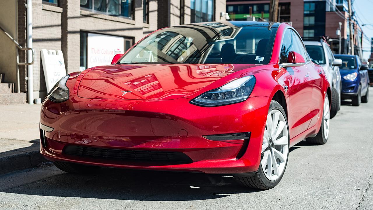GLJ Research's Gordon Johnson discusses Tesla's winning streak.