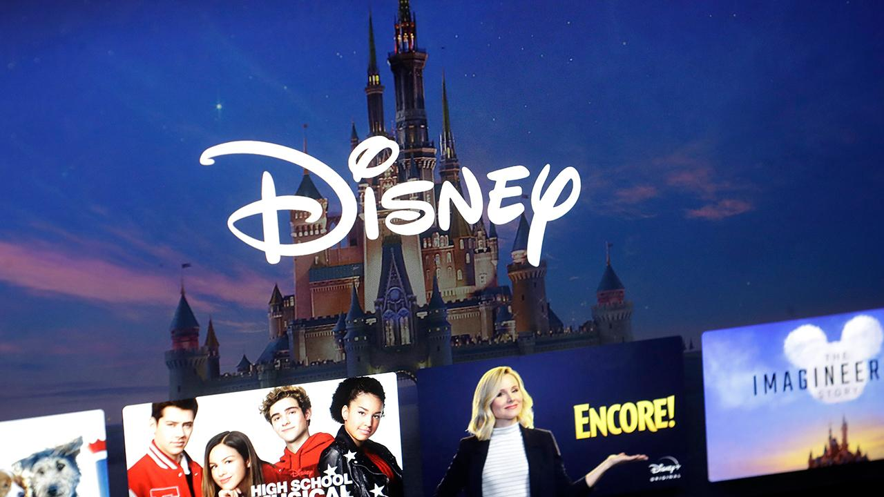 FOX Business' Jackie DeAngelis reports on the Disney earnings report, which exceeded expectations. Then, Capitalist Pig hedge fund's Jonathan Hoenig, former investment banker Carol Roth, 1 Empire Group's John Burnett and American University School of Public Affairs' Capri Cafaro add their analysis.