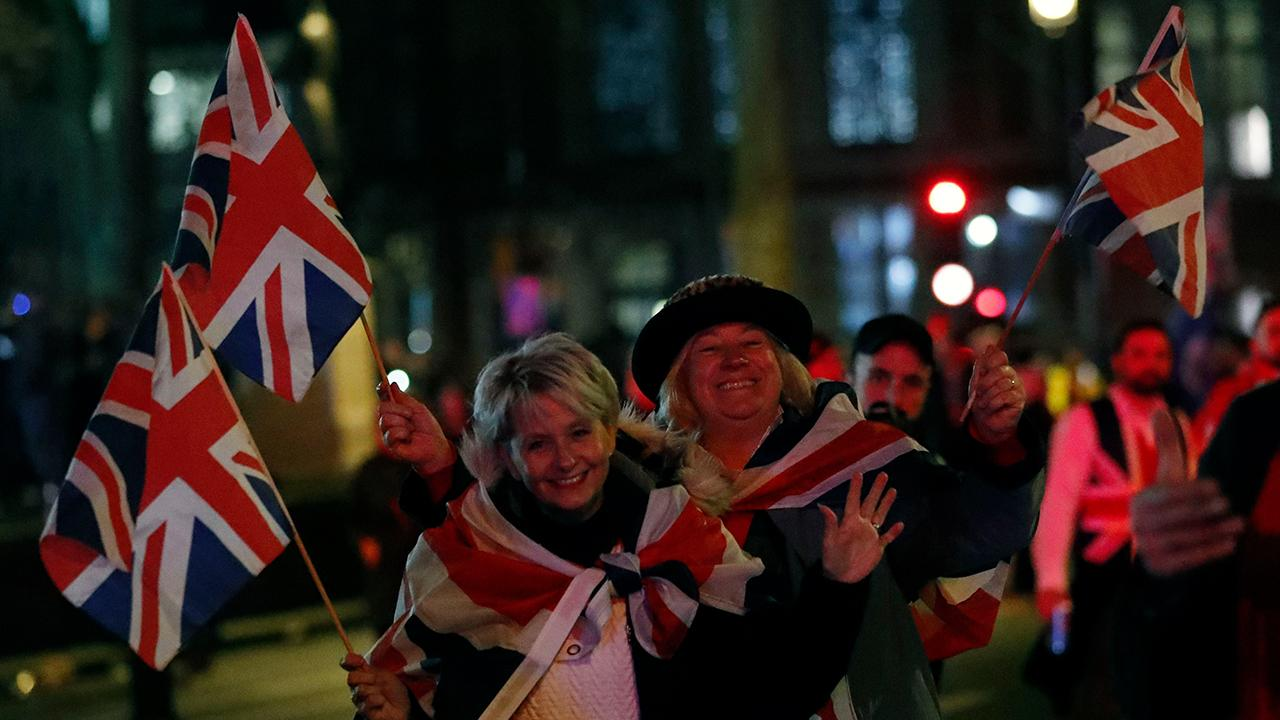 FOX Business' Ashley Webster reports on the Brexit celebrations from London, England.