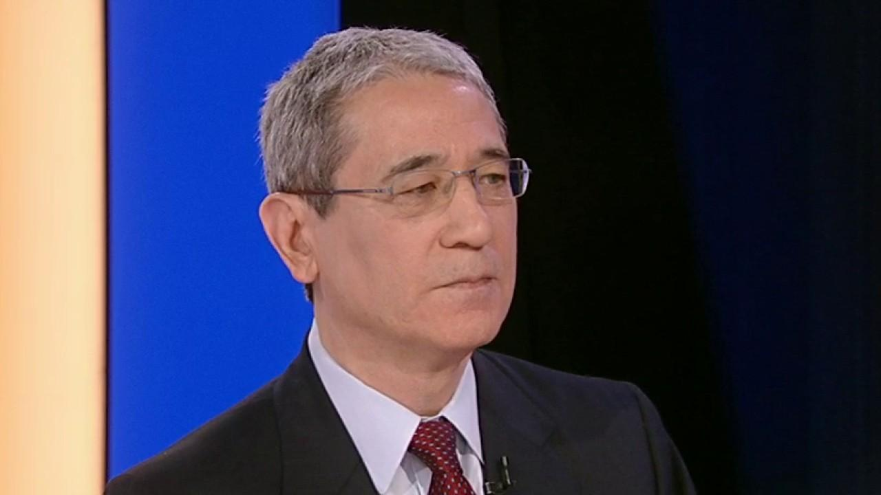 'The Coming Collapse of China' author Gordon Chang discusses Huawei being barred from federal contracts and its 'irresponsibility' to the American people.