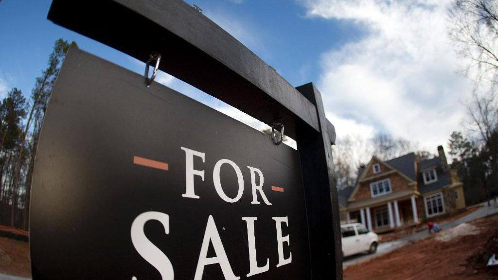 FOX Business' David Asman and Jackie DeAngelis, FOX Business contributors Gary B. Smith and Jonas Max Ferris and Democratic political commentator Capri Cafaro discuss whether or not the uptick in home prices in affordable areas is concerning.
