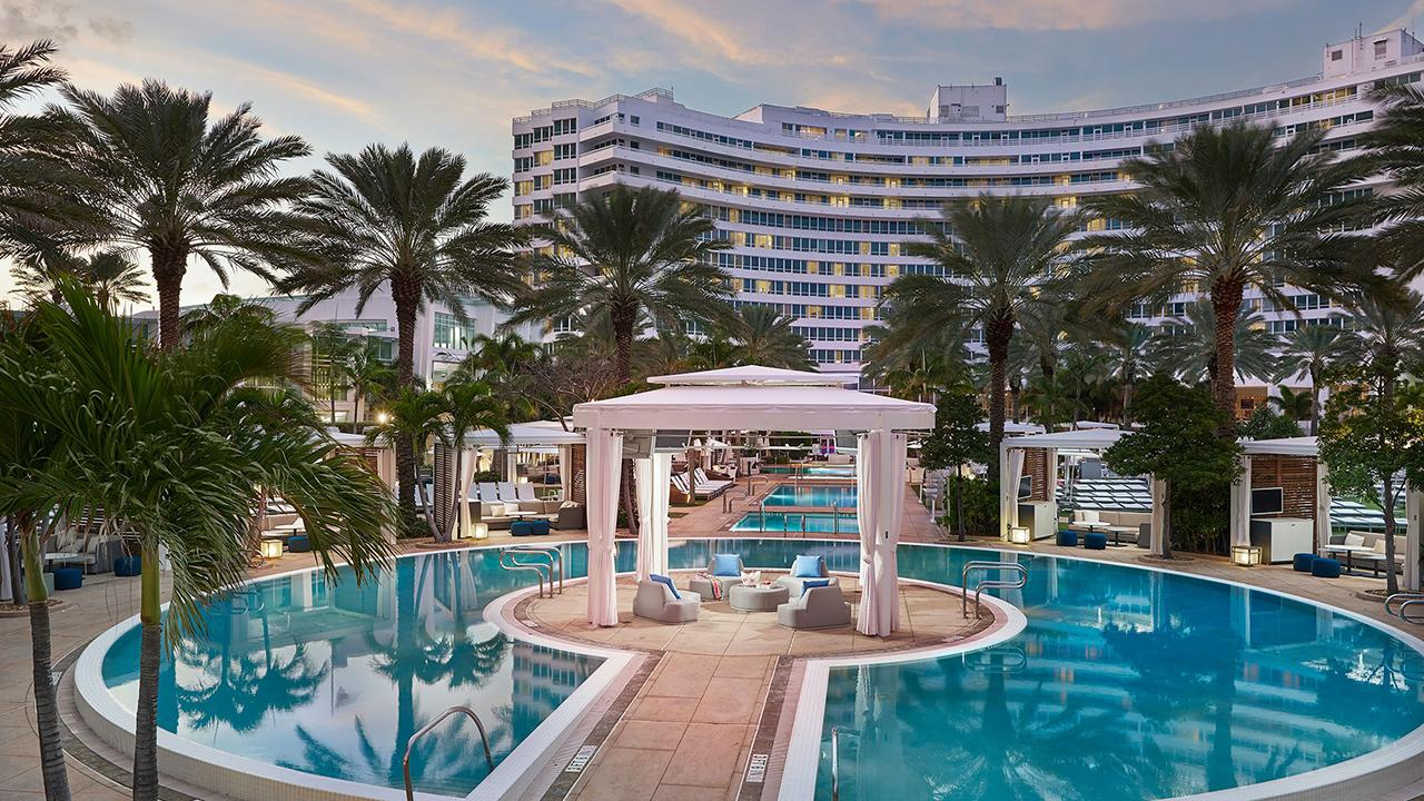 Fontainebleau President and COO Philip Goldfarb takes FOX Business' Maria Bartiromo on a tour of the famous hotel in Miami known for hosting celebrities and handmade baked goods.