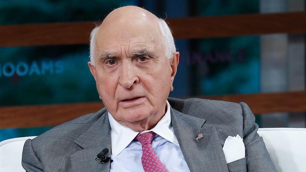Home Depot co-founder Ken Langone discusses necessary steps Americans should be taking to slow the spread of coronavirus and how the health care system is managing it.