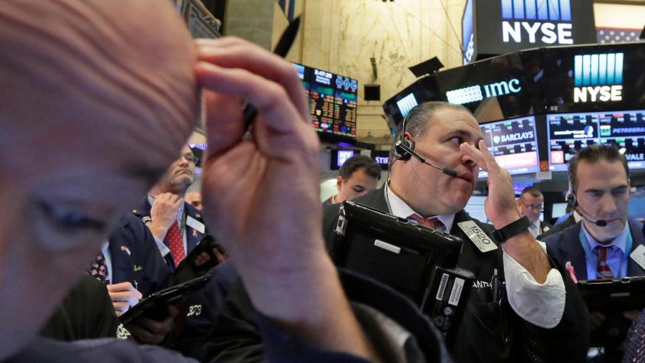 FOX Business' Jackie DeAngelis breaks down losses at the NYSE.