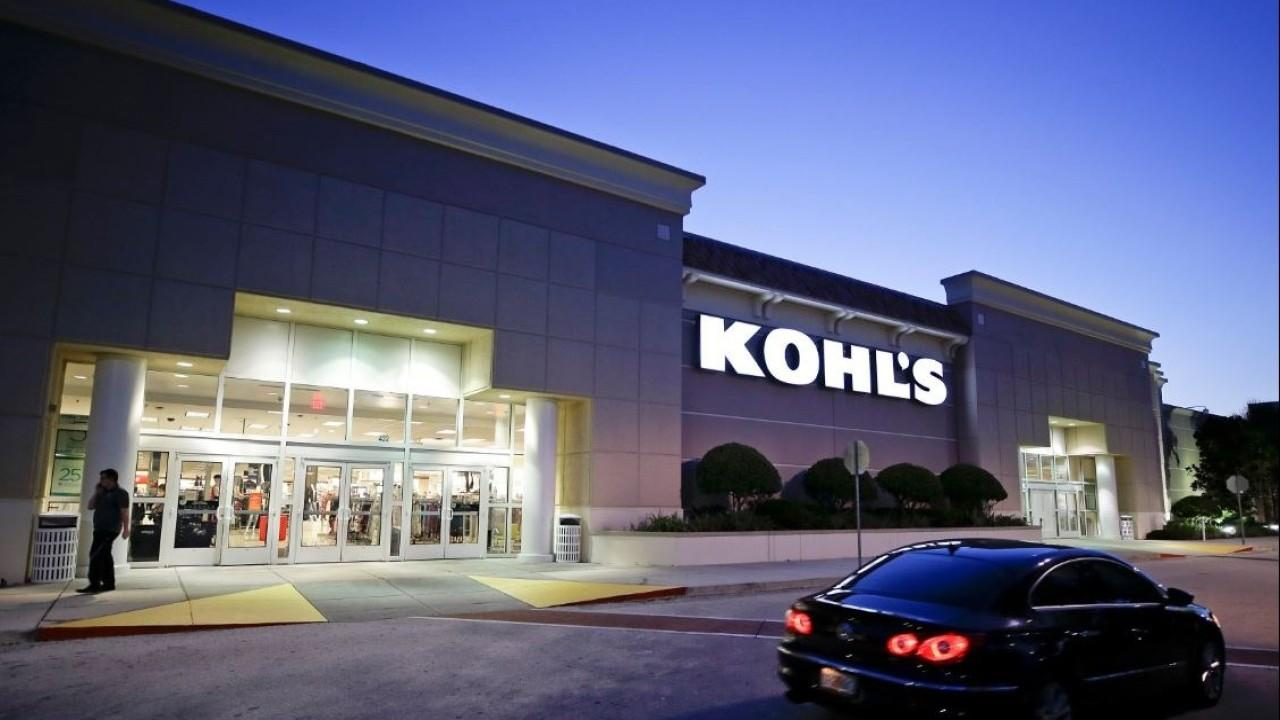 Former Toys 'R' Us CEO Gerald Storch discusses Target's slowing online retail growth and the future of Kohl's.