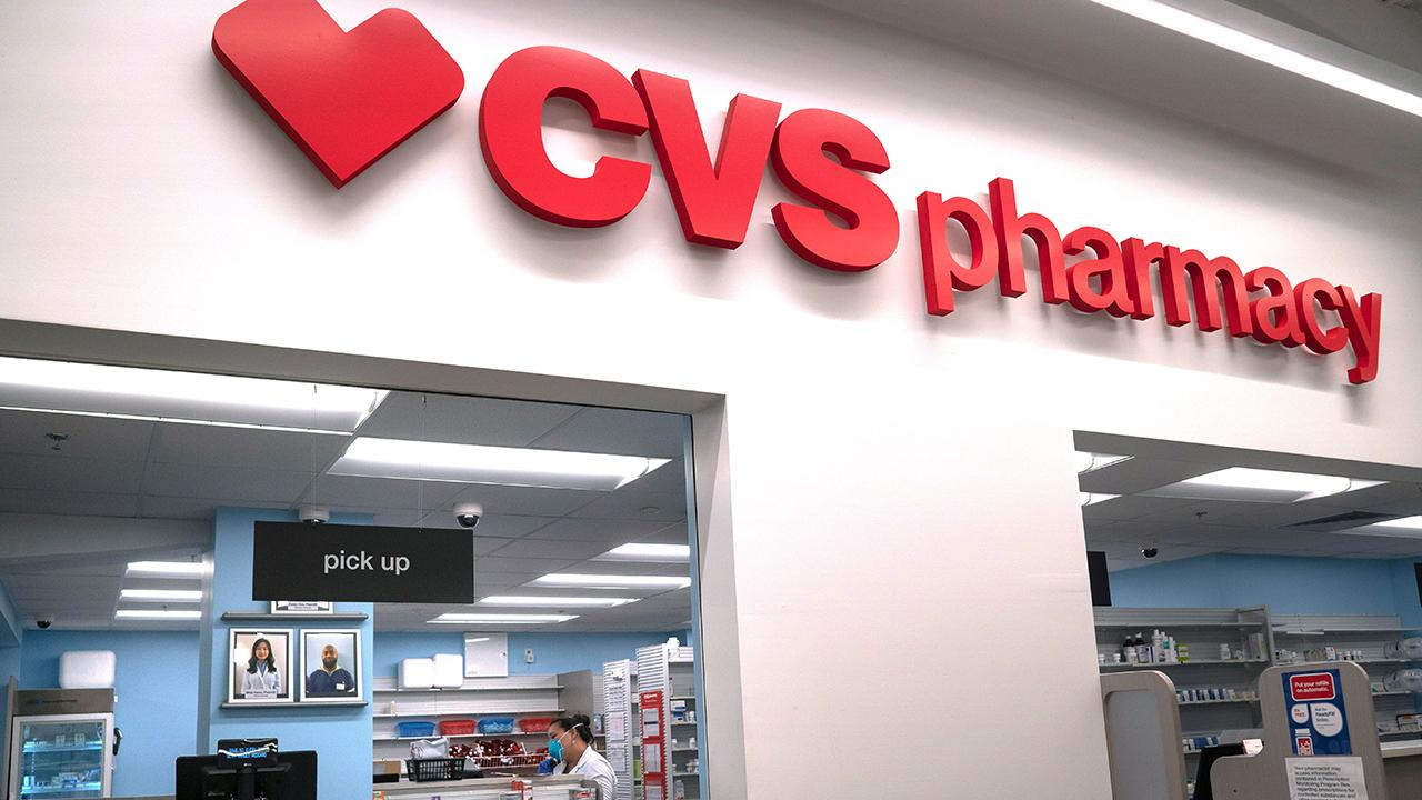 CVS is hiring 50,000 during the coronavirus crisis. FOX Business' Lauren Simonetti with more.