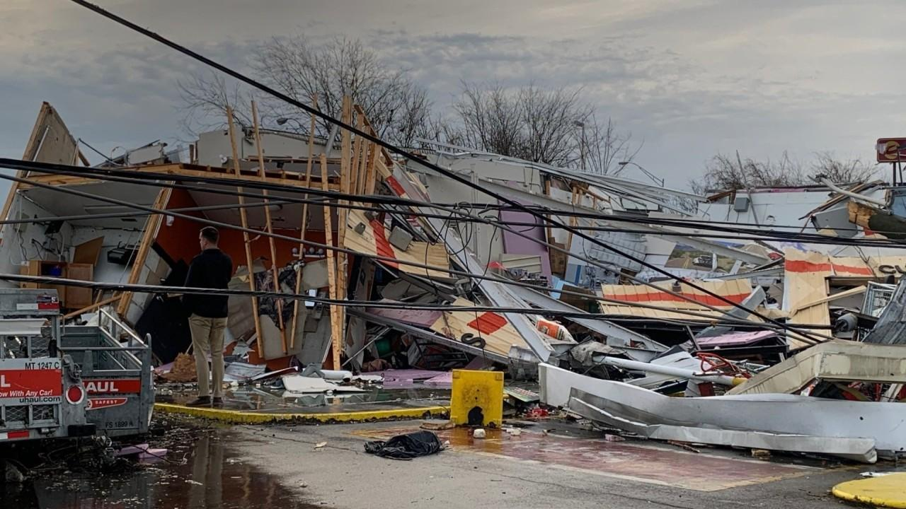 Nashville tornado eyewitness Andre Flanagan describes his experience when the storm struck his city.