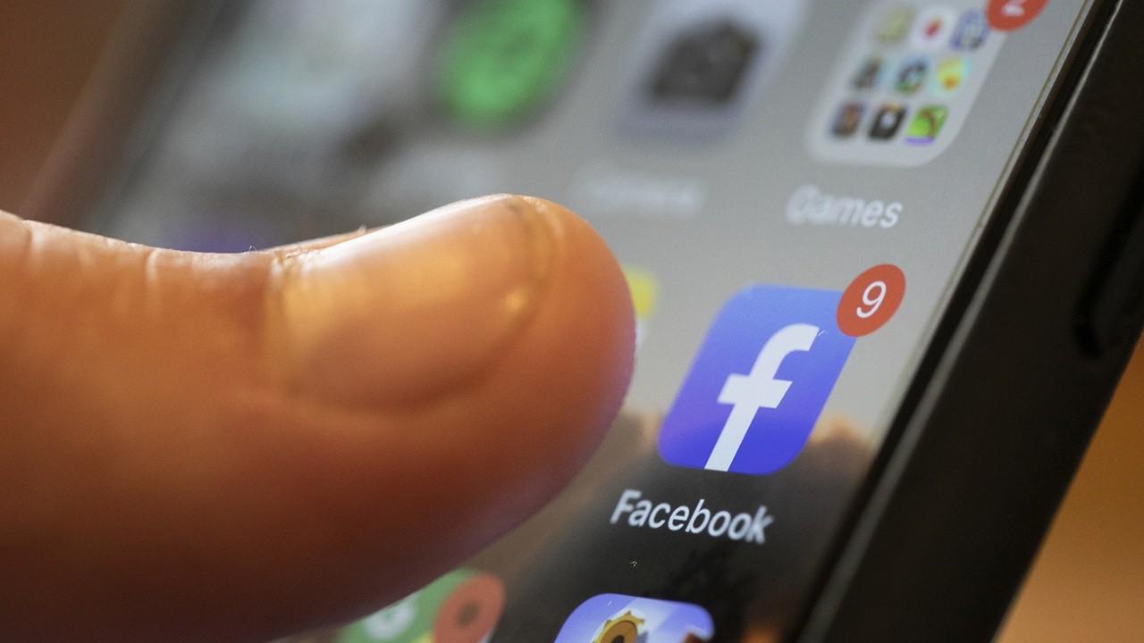 FOX Business' Lauren Simonetti breaks down the features of Facebook's new Messenger Kids app.