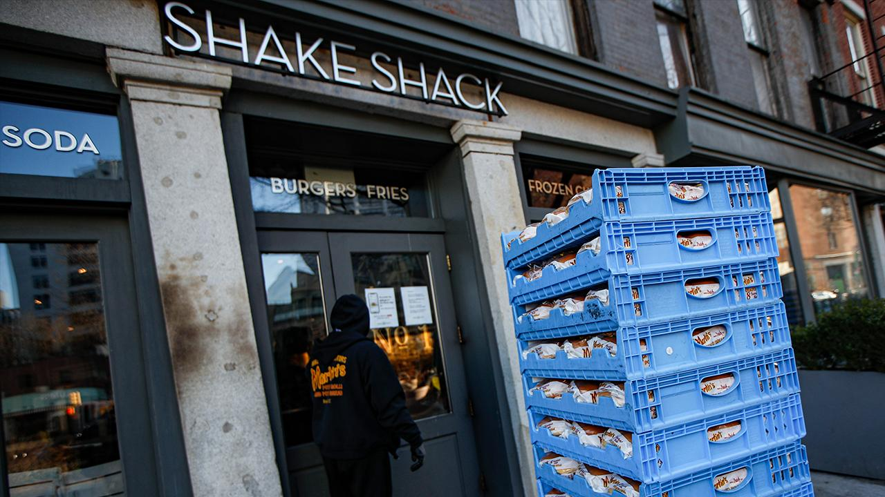 Shake Shack is returning a $10 million Small Business Association loan it received during the coronavirus. FOX Business' Maria Bartiromo with more.