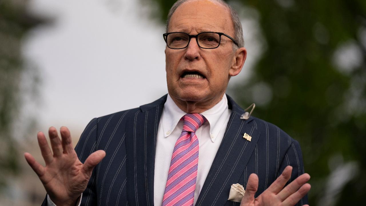White House economic adviser Larry Kudlow discusses how small businesses qualify for SBA loan forgiveness.