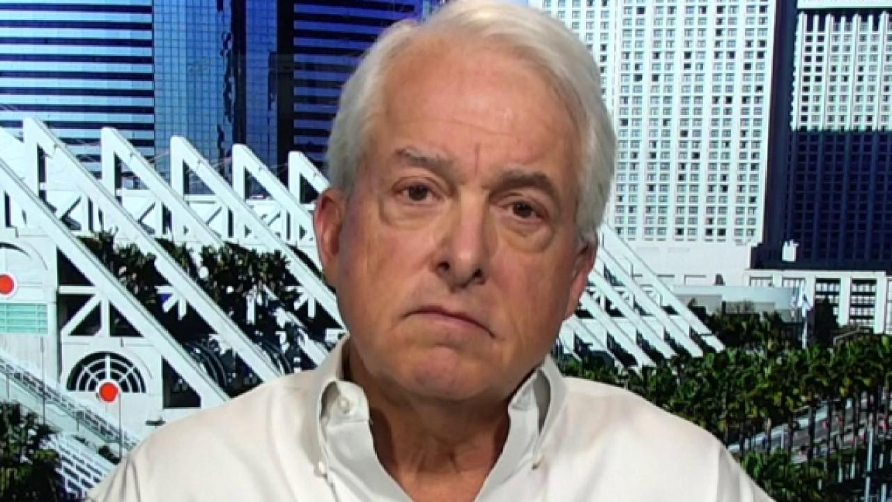 Former California Republican gubernatorial candidate John Cox says the media and politicians should stop finger-pointing and come together to defeat coronavirus.