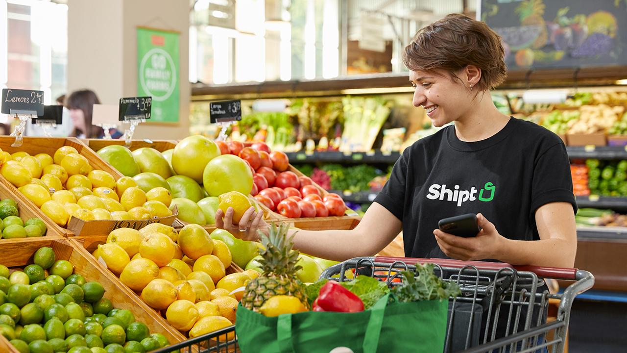 Workers for the Target-owned delivery app Shipt are asking for changes in worker safety and pay during coronavirus. FOX Business' Grady Trimble with more.