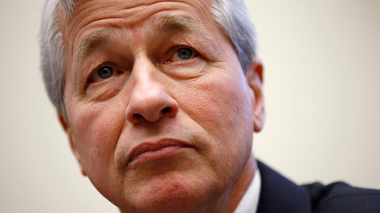 JPMorgan CEO Jamie Dimon is back to work following heart surgery. FOX Business' Ashley Webster with more.