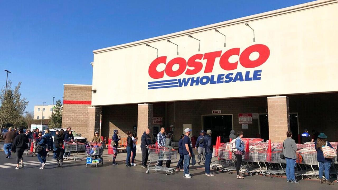 Costco is requiring all customers to wear face masks to prevent the spread of coronavirus. FOX Business' Maria Bartiromo with more.