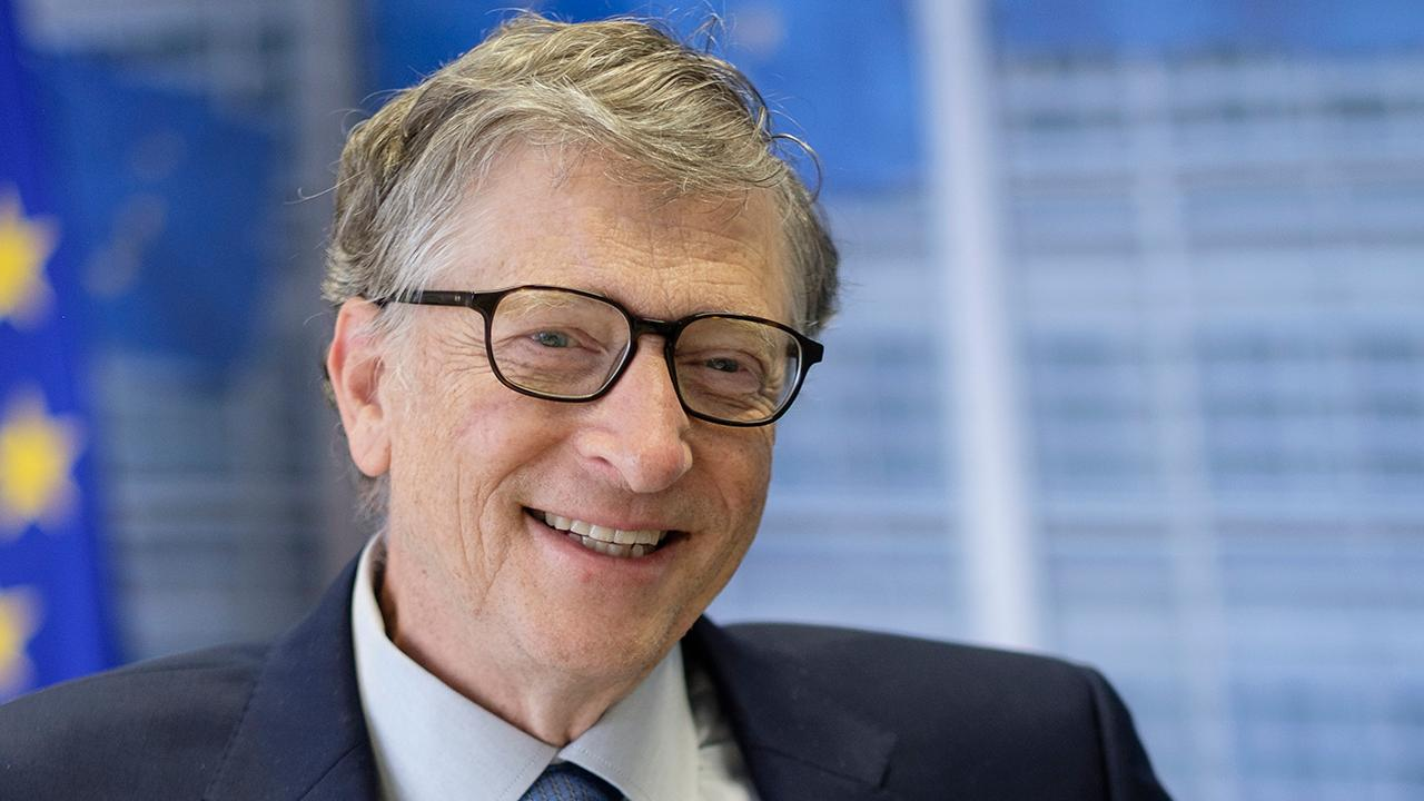 In a new op-ed, Microsoft co-founder Bill Gates says the U.S. can combat coronavirus with a nationwide stay-at-home order, increased testing and vaccine/treatment fast tracking.