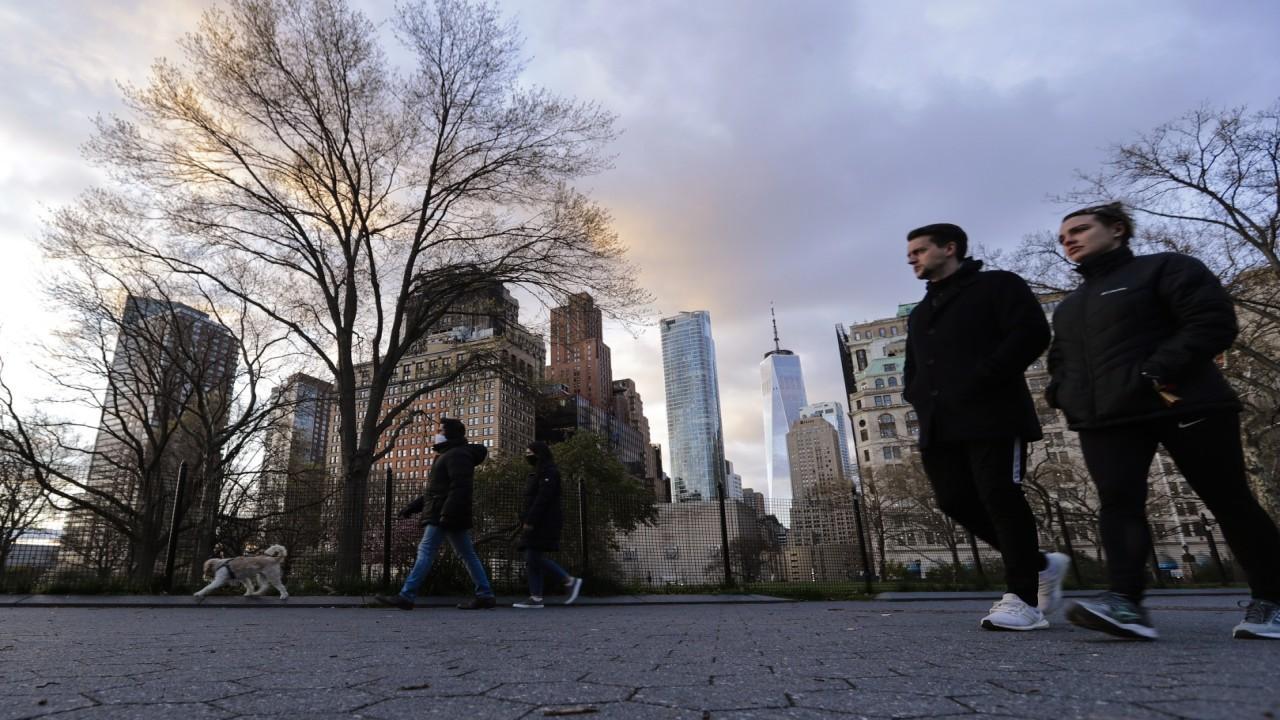 Licensed associate real estate broker Steve Gold on New York residents fleeing the city during coronavirus, driving down demand for Manhattan real estate.