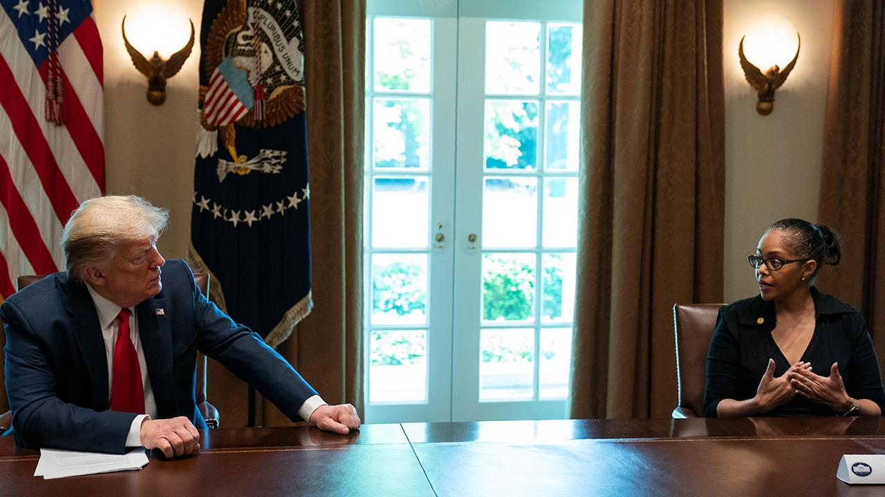 Michigan State Rep. Karen Whitsett talks with President Trump about her experience taking hydroxychloroquine and recovering from coronavirus.