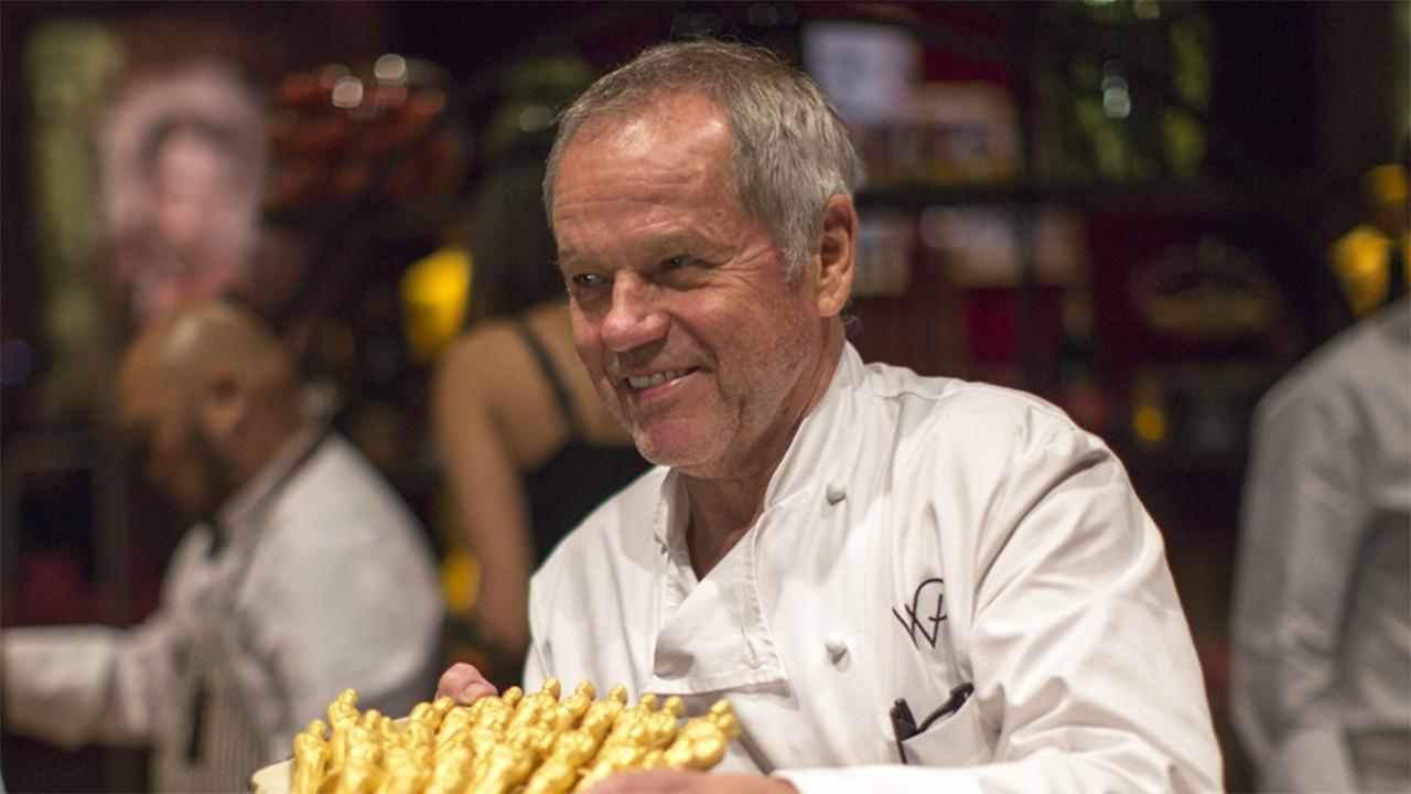 Celebrity Chef Wolfgang Puck discusses the state of the restaurant industry amid coronavirus and the importance of government supporting it.