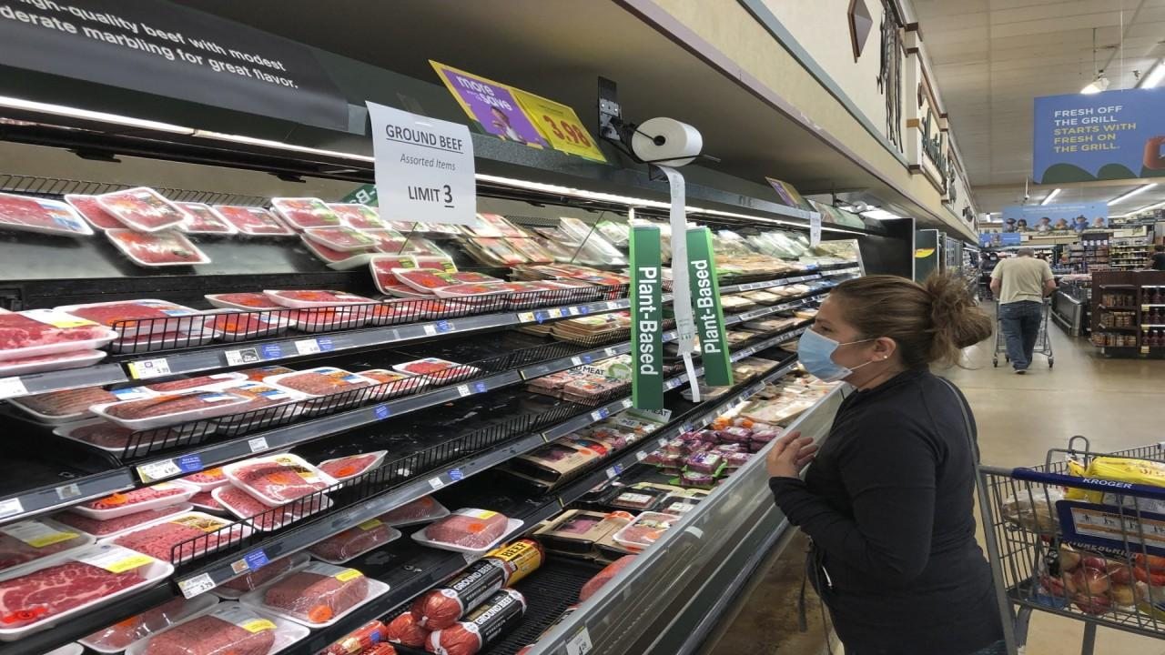 Americans are lining up to stock up on meat as stores begin rationing supply. FOX Business' Grady Trimble with more.