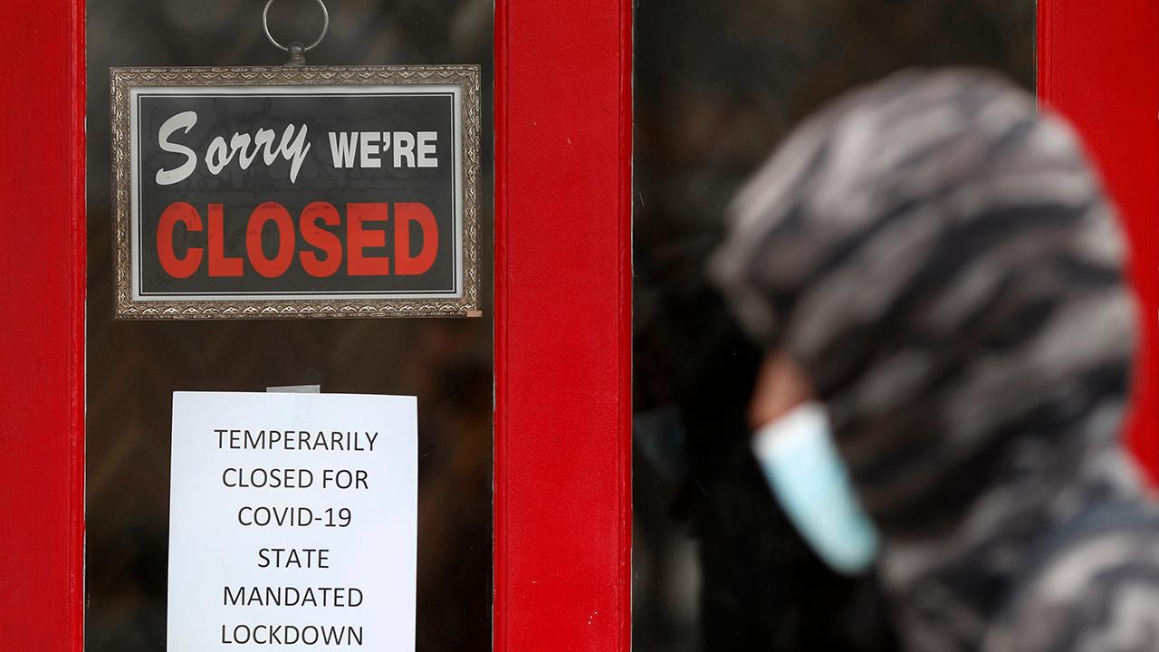Fox Business Briefs: 2.2 million new claims for unemployment benefits in the week ending May 16 just about match economists' expectations; Macy's is opening more stores for the Memorial Day weekend.