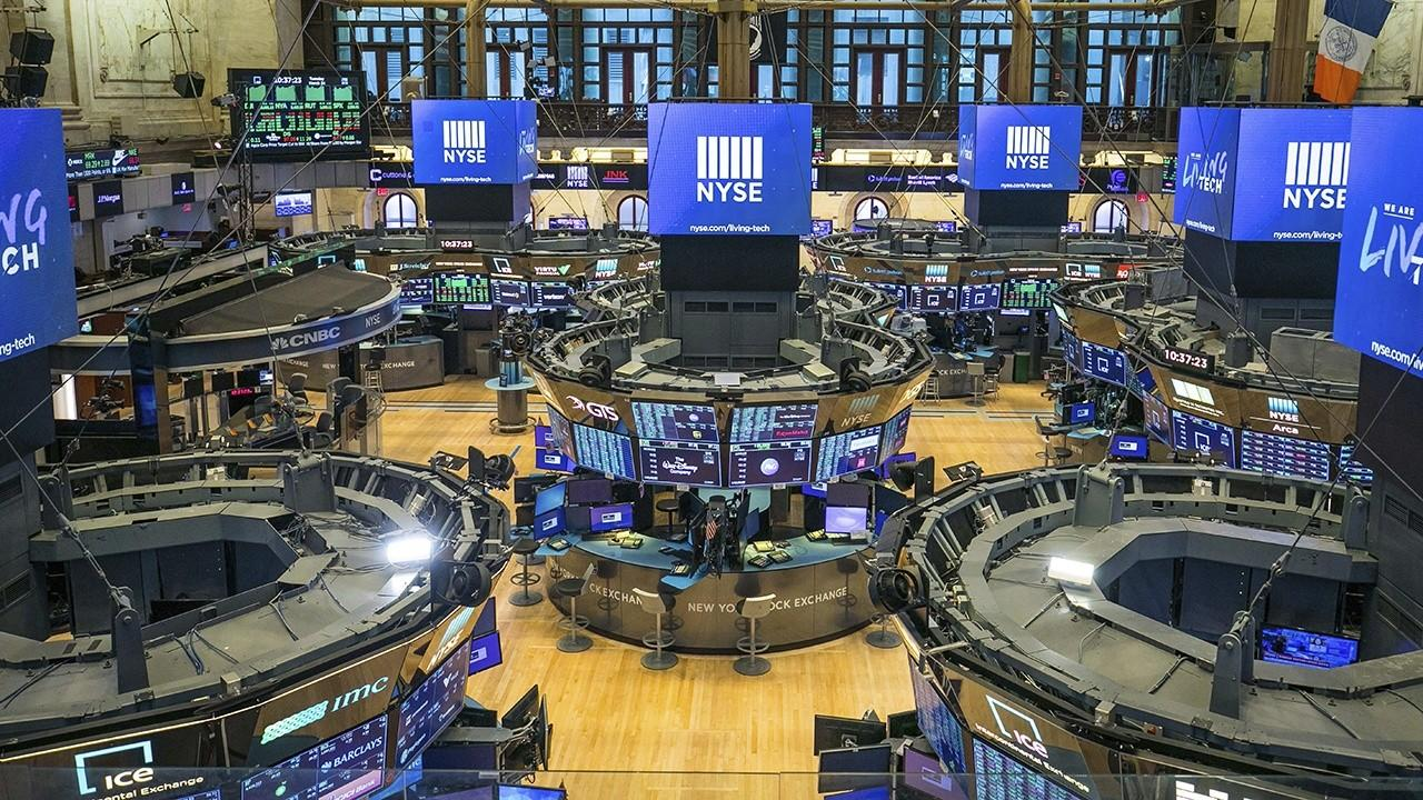 The NYSE is reopening with safety guidelines in place after the coronavirus pandemic forced it to close. FOX Business' Jackie DeAngelis with more.