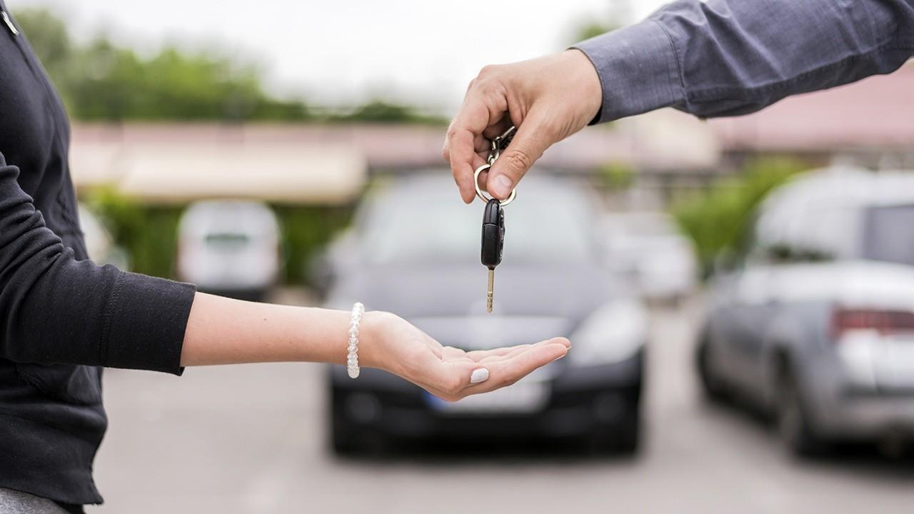 FOX Business' Grady Trimble breaks down the Memorial Day weekend auto deals.