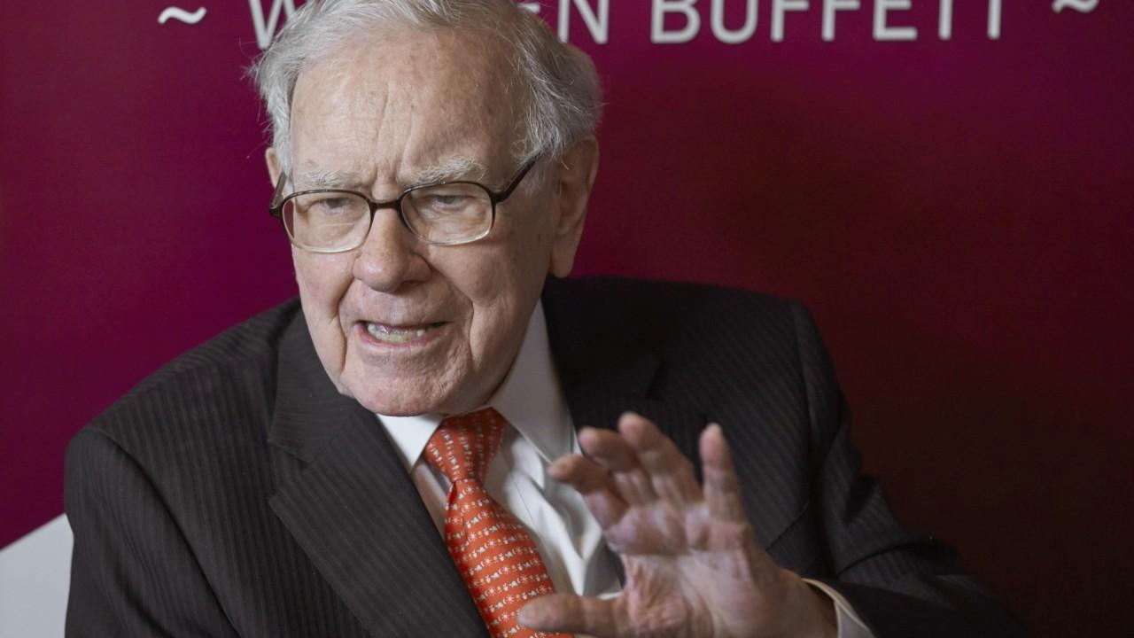 'The Warren Buffett Shareholder' author Lawrence Cunningham and Smead Capital Management CEO and CIO Bill Smead respond to Berkshire Hathaway's shareholder meeting this year that featured only Warren Buffett and his possible successor Greg Abel.