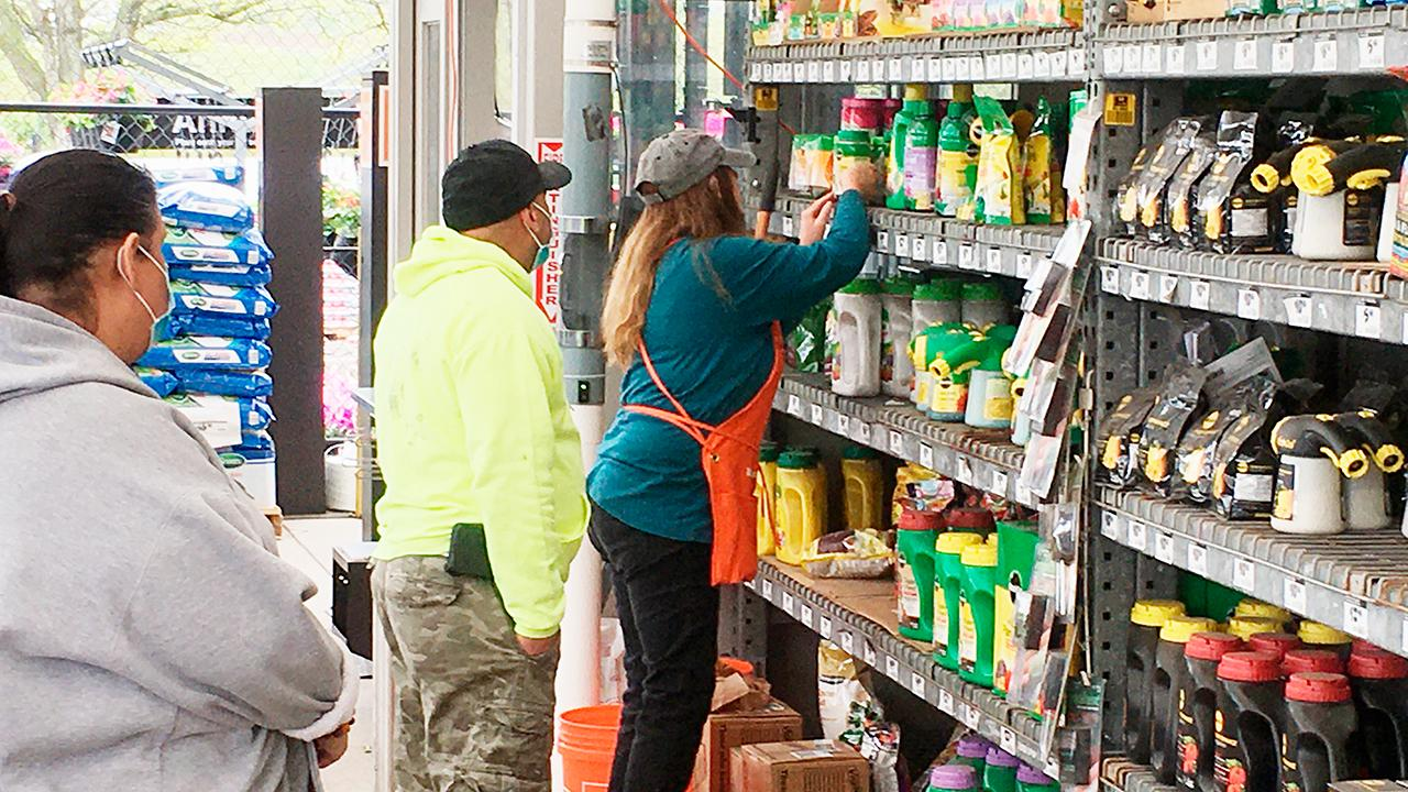 Home Depot's earnings were lower than expected and the company has suspended its outlook. FOX Business' Cheryl Casone with more.