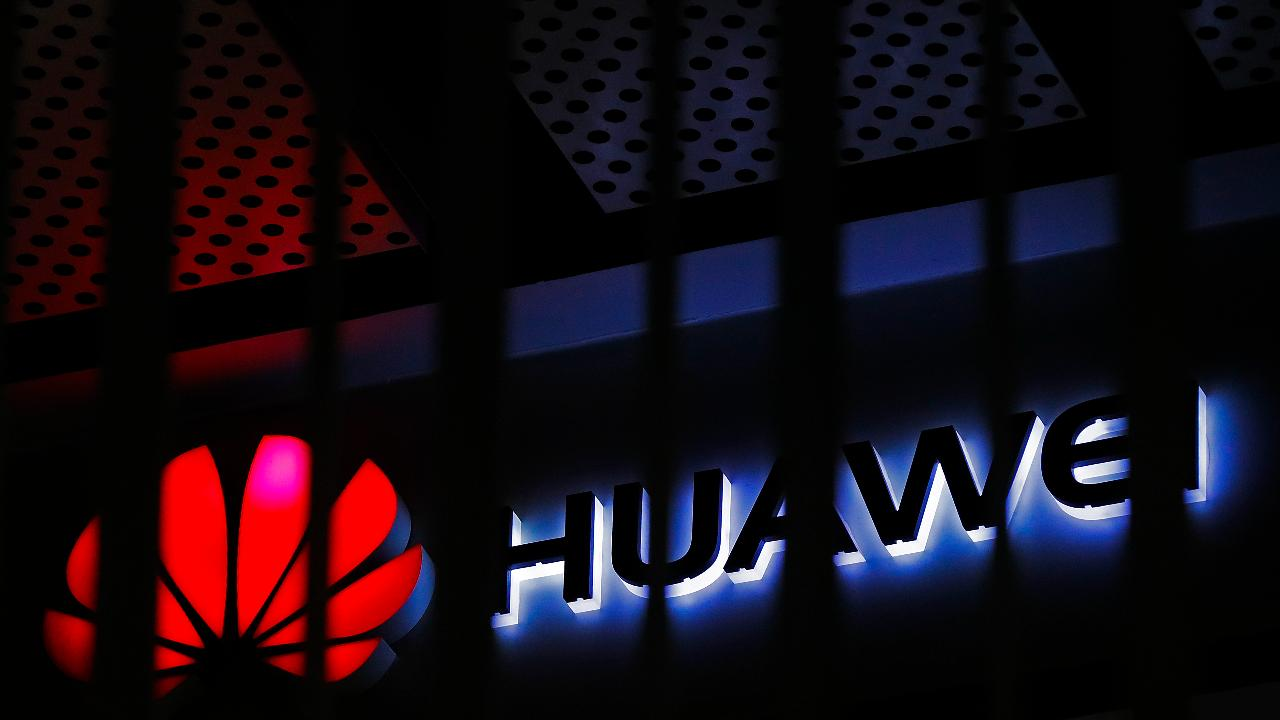 FOX Business' Hillary Vaughn discusses the White House's efforts to ban semiconductor sales to Huawei.