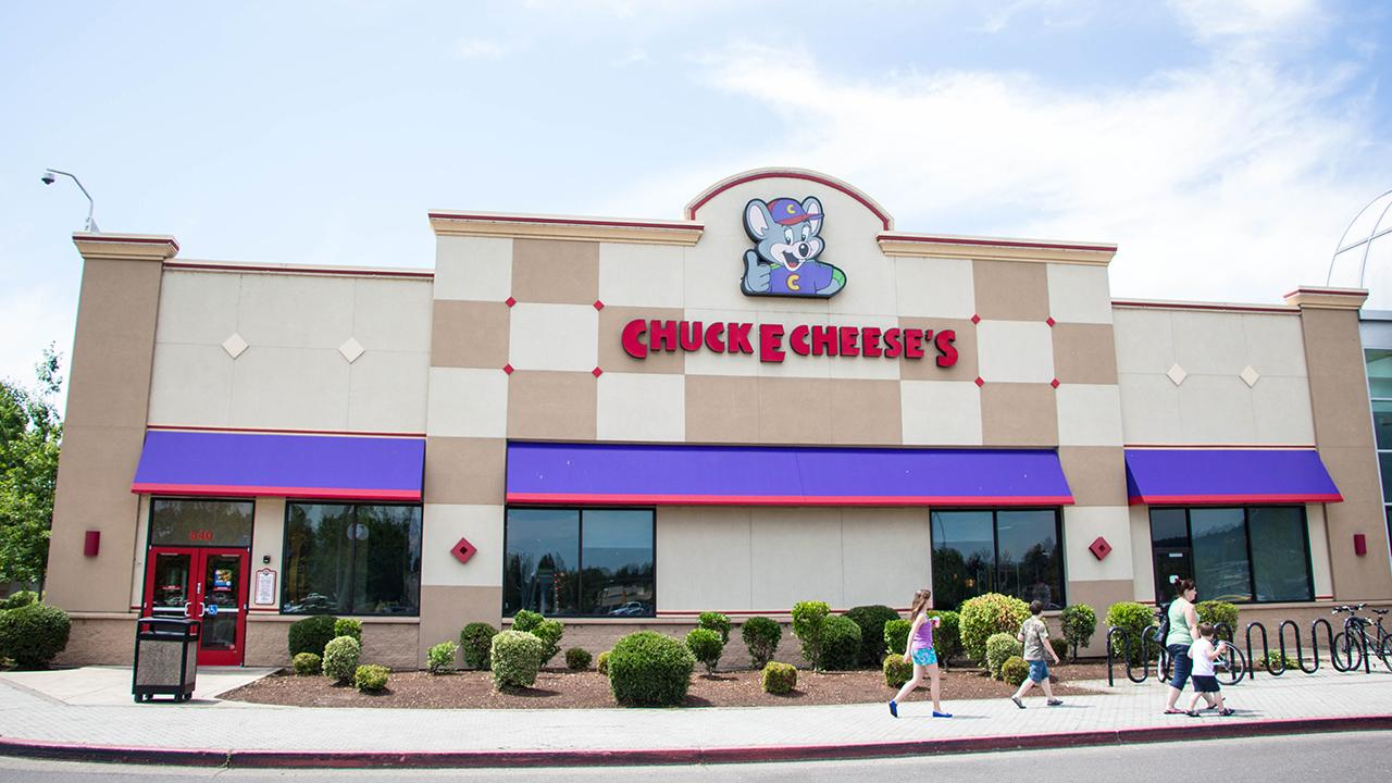 Indoor arcades and play zones, like Chuck E. Cheese, may go out of business as coronavirus fears push demand down. FOX Business' Grady Trimble with more.