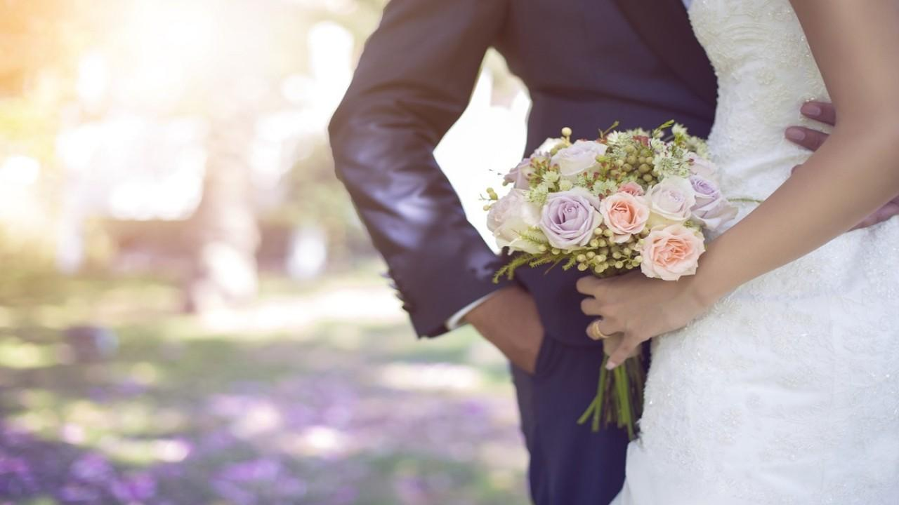 FOX Business' Gerri Willis discusses the growing trend of couples deciding to opt-out of marriage, despite the tax incentives and financial benefits that come with getting married to your significant other.