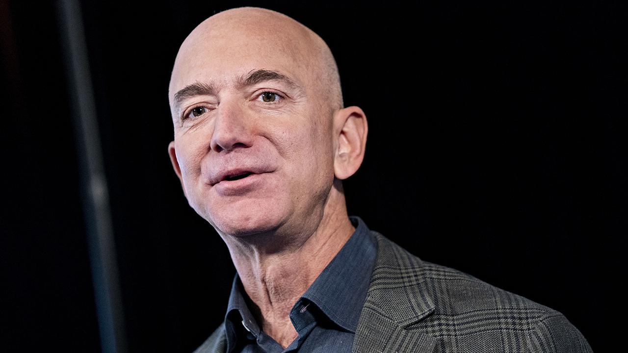 FOX Business' Cheryl Casone gives details on demonstrators setting up a guillotine in front of Amazon CEO Jeff Bezos' home.