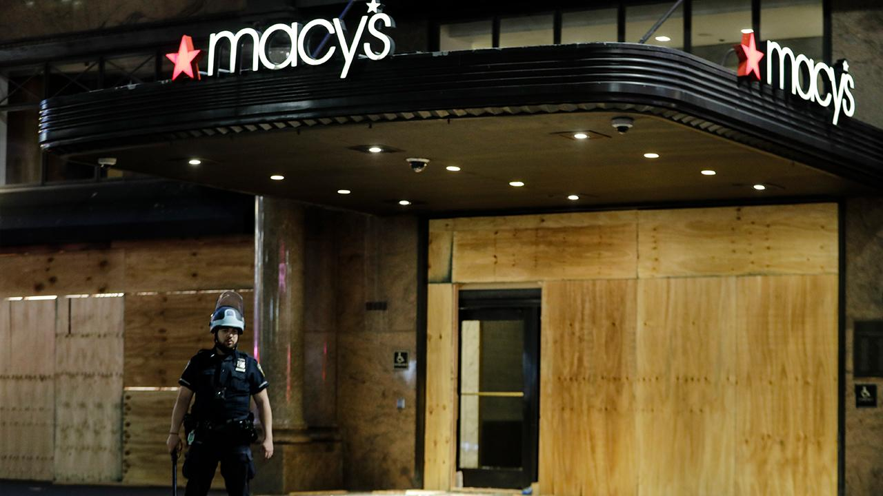 The Macy's iconic Herald Square store in New York City was looted overnight by rioters. FOX Business' Kristina Partsinevelos with more.