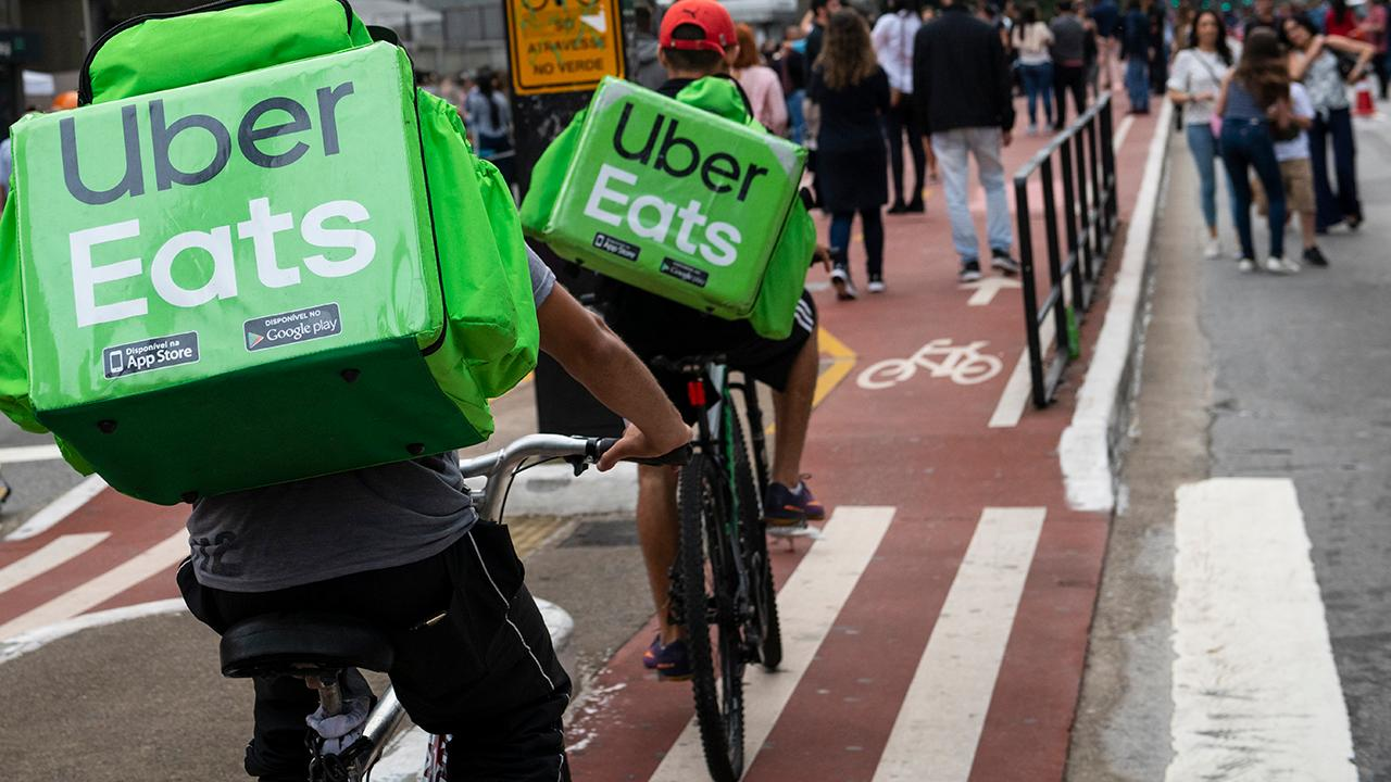 Uber Eats is waiving delivery fees for black-owned businesses in respect to the Black Lives Matter movement. FOX Business' Lauren Simonetti with more.