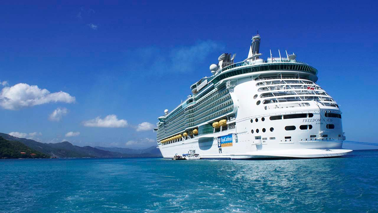 FOX Business' Jackie DeAngelis breaks down how the cruise industry is changing the way they operate and how it attracts travelers amid coronavirus. Then, Payne Capital president Ryan Payne weighs in on investing in travel and hospitality companies.