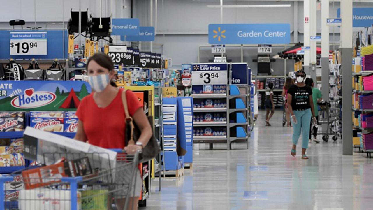 Former Walmart.com CEO John Fleming argues everyone needs to wear a face mask in order to get the economy going.