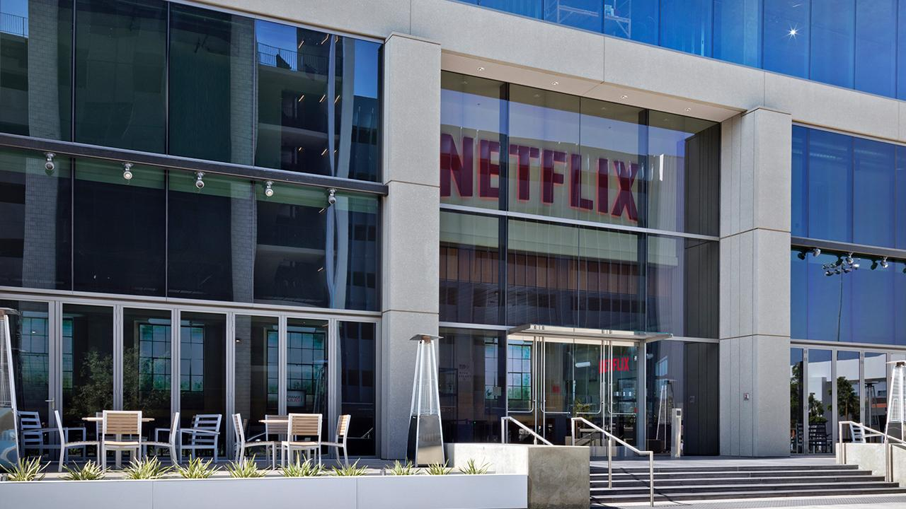 Axios markets editor Dion Rabouin and Kadina Group President Gary B. Smith analyze newly released Netflix earnings and the ongoing streaming wars.