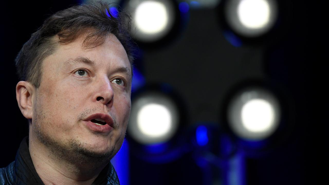 Capitalistpig Hedge Fund's Jonathan Hoenig and FoxNews.com automotive editor Gary Gastelu analyze the recently released Tesla earnings report.