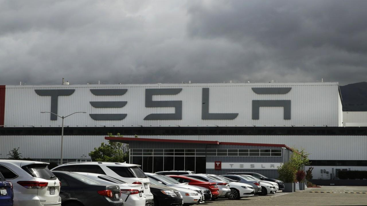 Gerber Kawasaki CEO Ross Gerber believes Tesla's quarterly earnings report is going to impress investors but Miller Tabak chief market strategist Matthew J. Maley expresses his concerns with the automotive company, including its valuation.
