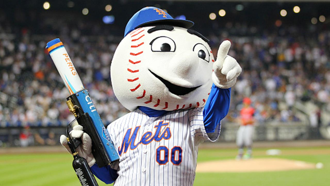 Sources tell FOX Business' Charlie Gasparino that hedge fund billionaire Steve Cohen is likely to pay $2 billion for the New York Mets if terms are reached as other bids so far seem to appear below that level.