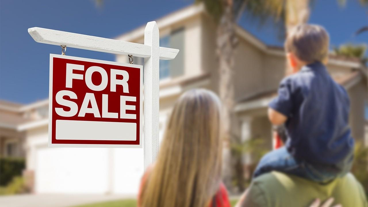 National Association of Home Builders CEO Jerry Howard discusses real estate booming amid coronavirus as mortgage rates hit record lows.