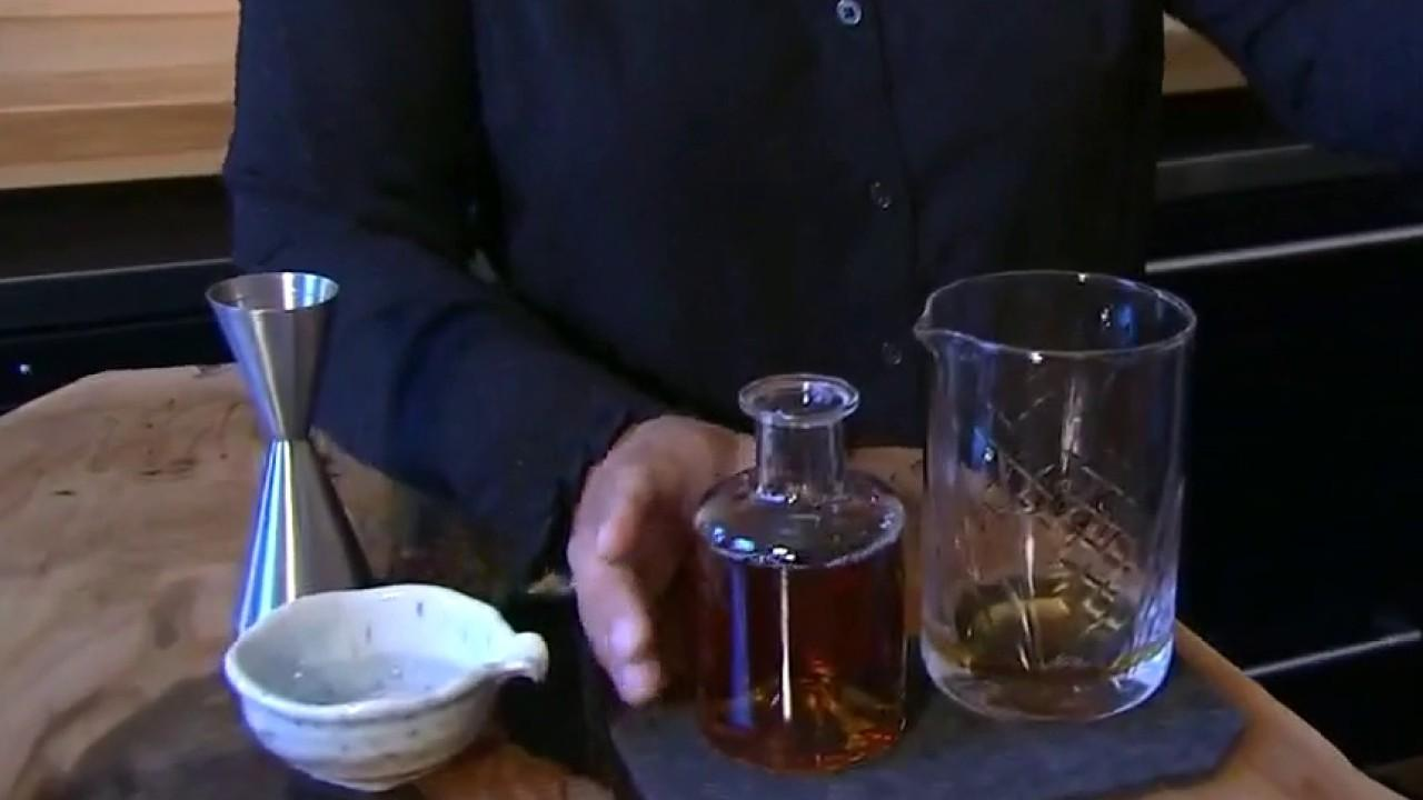Illinois has approved to-go cocktails amid the coronavirus pandemic to boost business. FOX Business' Grady Trimble with more.