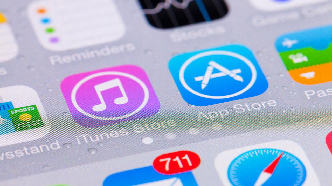 Blix co-founders Ben Volach and Dan Volach on Apple allegedly blocking their app from the app store.