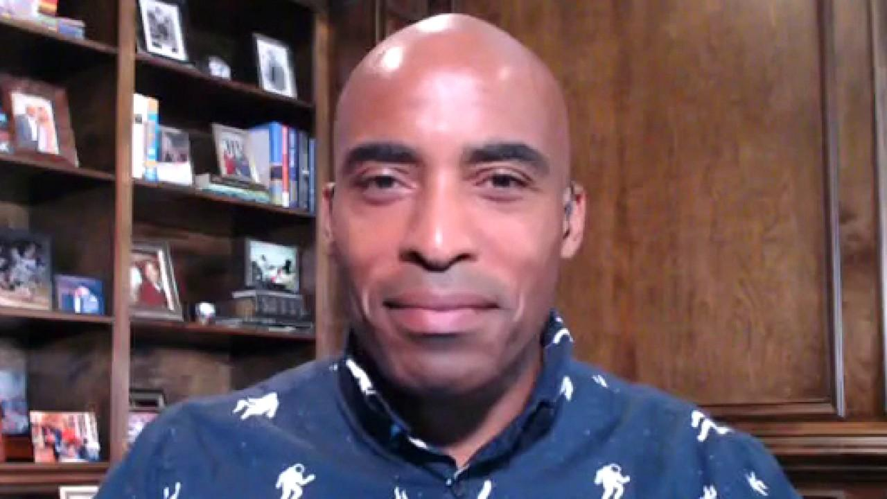 Former New York Giants running back Tiki Barber on Trump criticizing the Washington Redskins changing its name and NFL's Mahomes signing a $503M deal with the Kansas City Chiefs.