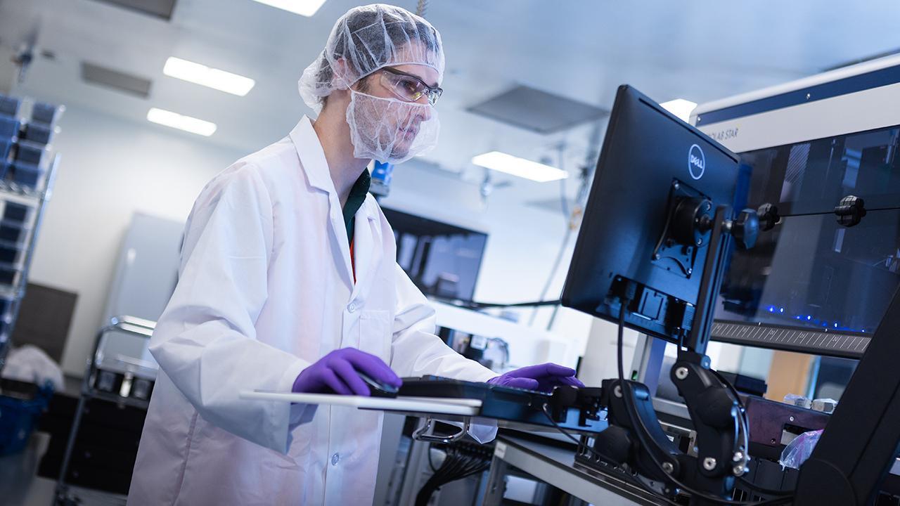 FDA looking for coronavirus vaccine with 50% effectiveness: Dr. Marc Siegel
