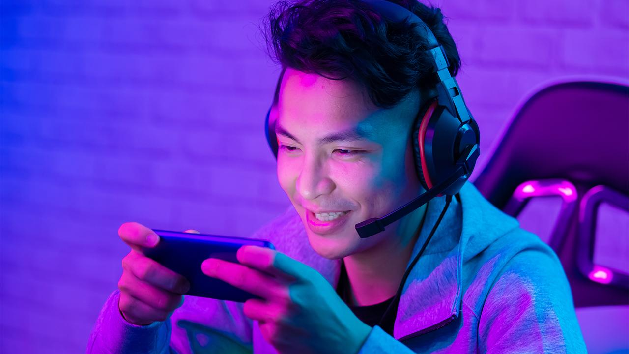 Skillz CEO Andrew Paradise provides insight into the rise of mobile gaming.