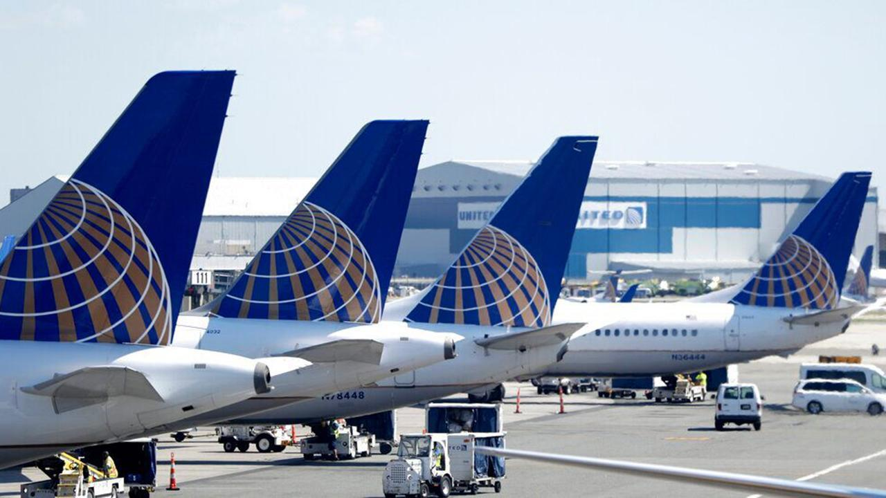 Fox Business Briefs: United is adding new and returning routes in October allowing the airline to fly 40 percent of its full flight schedule compared to the previous year.