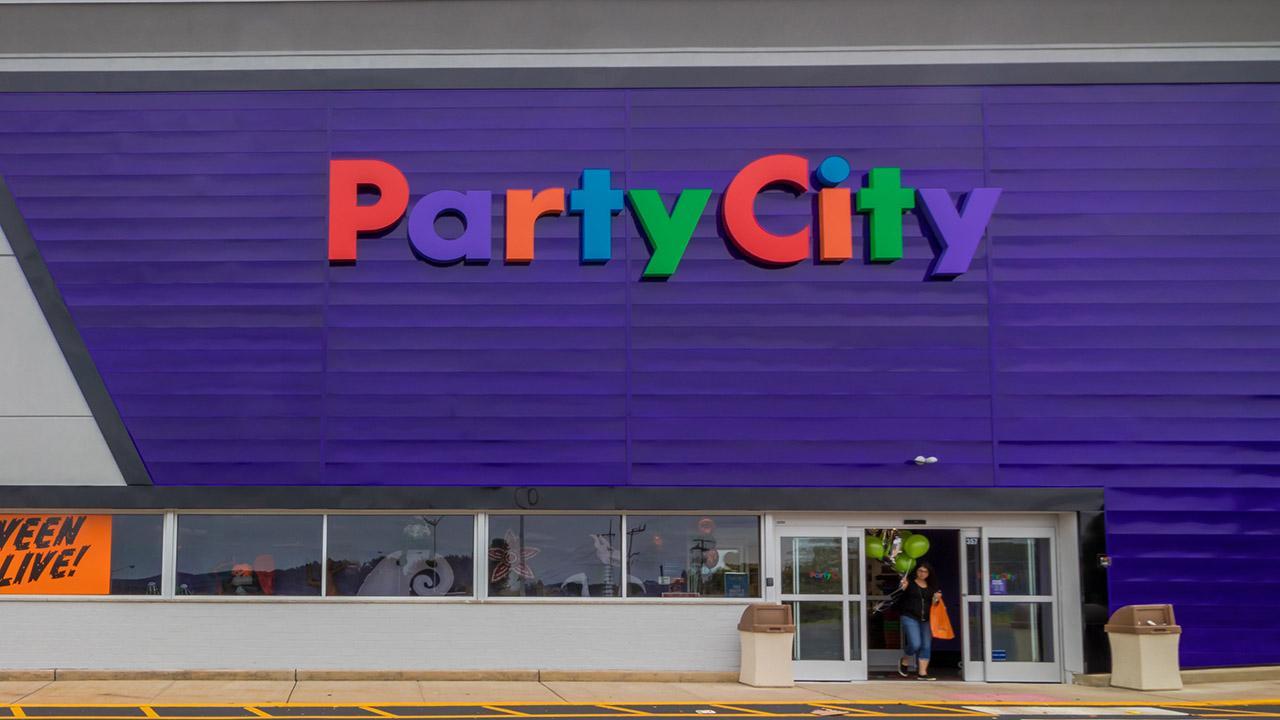 Party City CEO Brad Weston on adapting to virtual parties amid coronavirus.